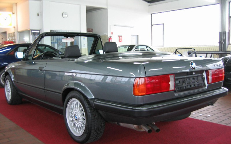 BMW 325i E30 Cabrio Original 73800 Kilometer